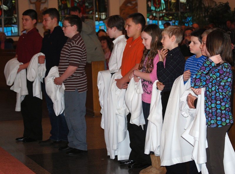 Altar Servers to be installed 2 December 10, 2010
