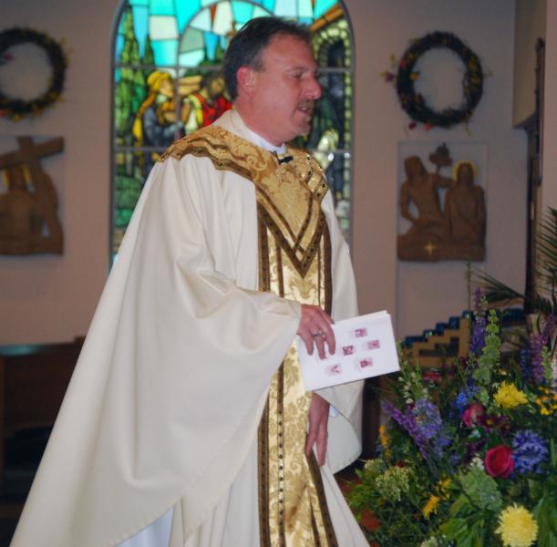 fr-bob-at-mass
