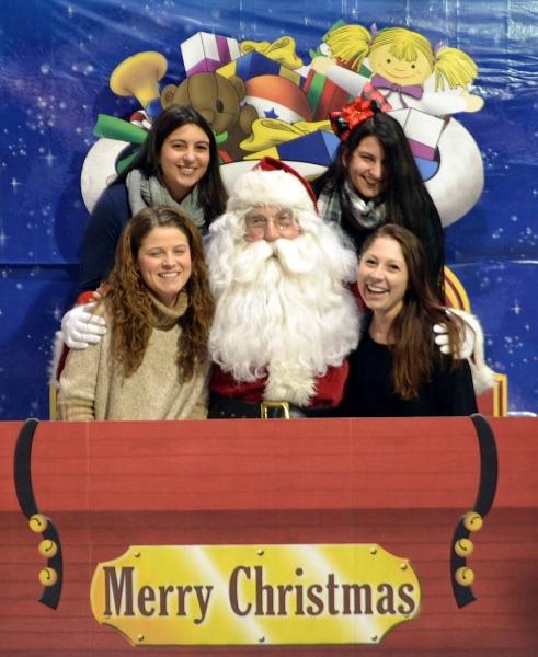 girls-and-santa-2