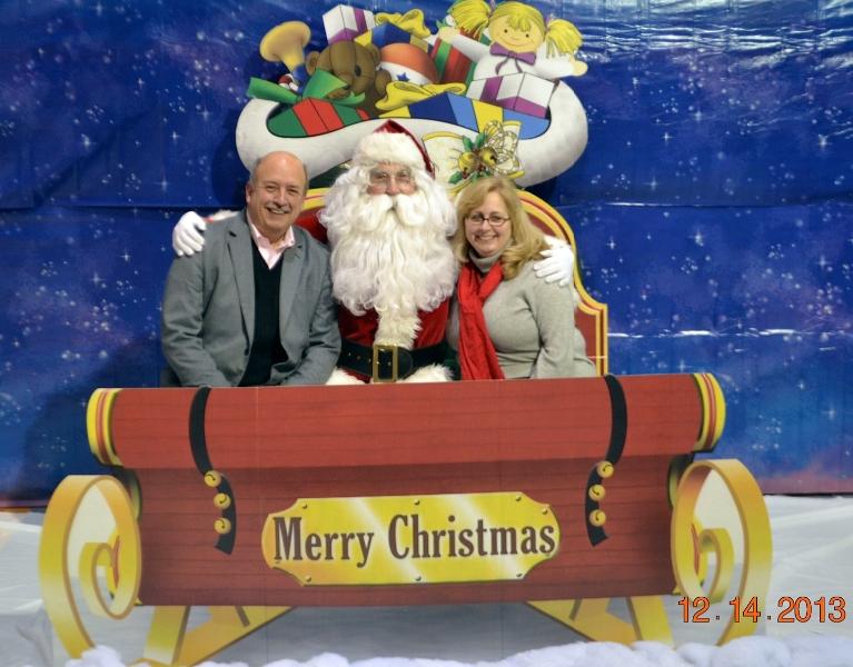pat-and-tom-fox-and-santa