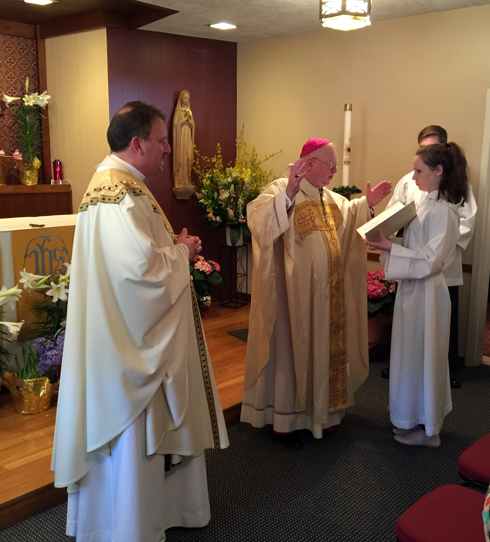bishop-murphy-dedicating-chapel